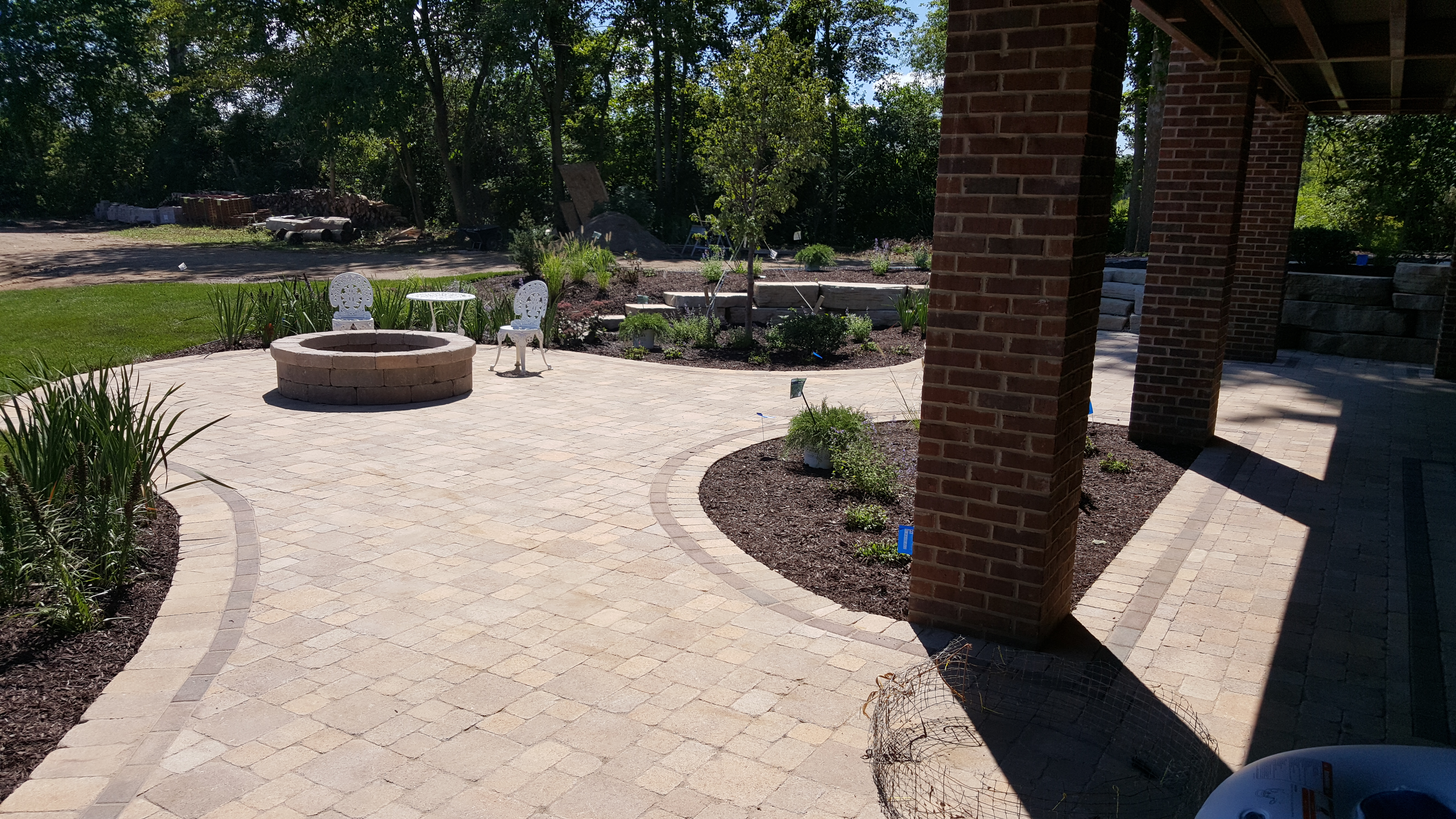 Brick Pavers Patios And Decks Salient Landscaping