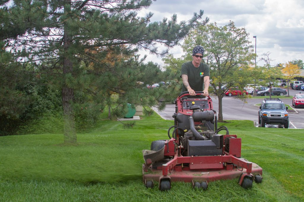 Commercial Lawn Cutting - Salient Landscaping