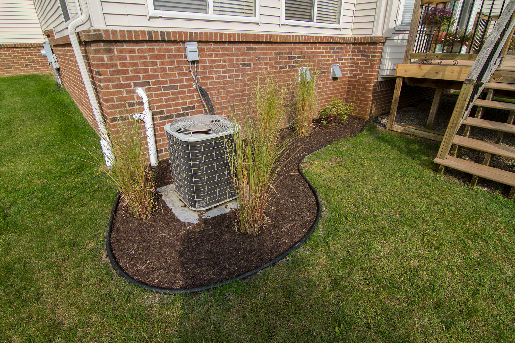 Gardening and Weeding - Salient Landscaping | Residential and ...